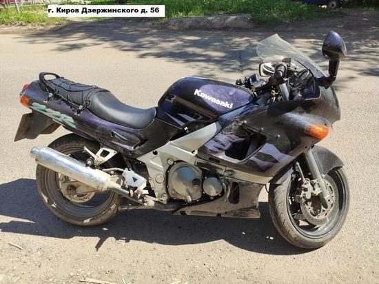 На Дзержинского пострадали двое на мотоцикле