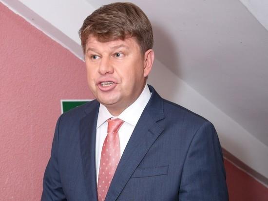 Губерниев упрекнул звезд, защищающих Ефремова