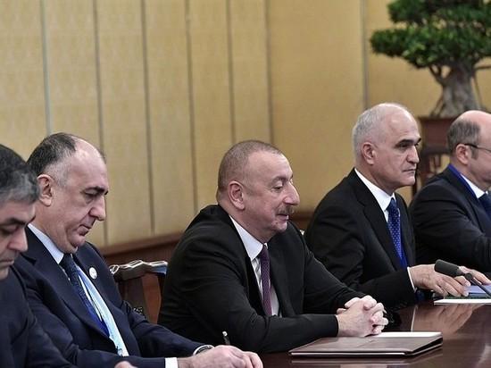 Президент Азербайджана Алиев отказался приезжать на парад Победы в РФ