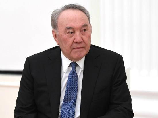 Он проводил встречу с чиновниками, ответственными за борьбу с COVID-19
