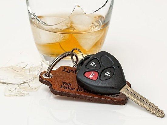 В Пскове и Порхове полицейские остановили пьяных водителей