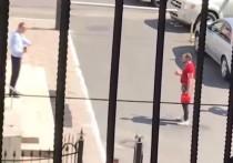 Калининградец поджег свою одежду возле отдела полиции
