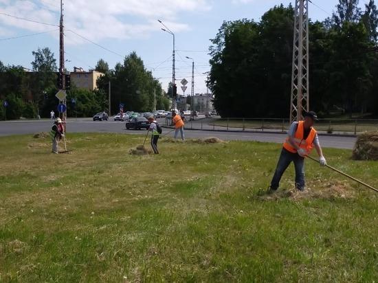 На страже чистоты: подрядчик убирает улично-дорожную сеть в Петрозаводске