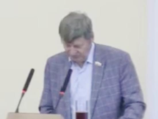 Оренбургский депутат придет в covid-центр по личному приглашению министра