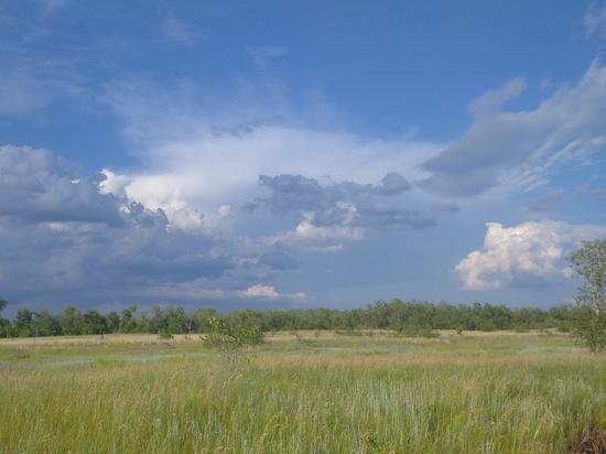 День начинается с повсеместной облачности: прогноз погоды на 19 июня