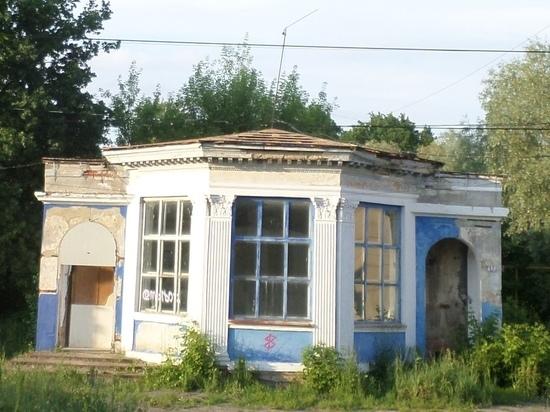В Рязани неизвестные украли крышу с павильона Торгового городка
