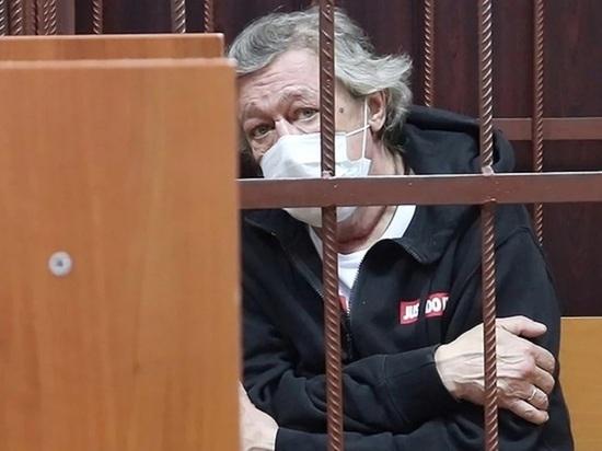 Потерпевшими по делу о смертельном ДТП с Ефремовым признаны трое родственников погибшего
