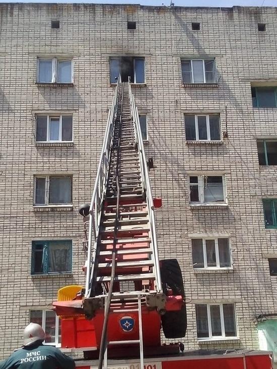 Курские огнеборцы спасли восемь человек из горящей многоэтажки