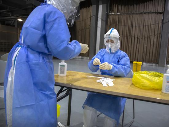 Причиной новой вспышки коронавируса в Китае назвали замороженные продукты