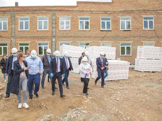 Правительство Хакасии может поменять подрядчика строительства диспансера в Туиме