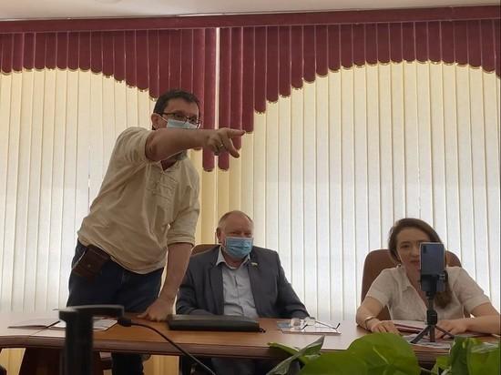 Саратовские коммунисты не отреагировали на нецензурное послание депутата