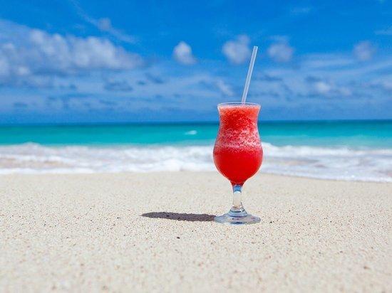 Какие напитки лучше всего утолят жажду волгоградцев жарким летом