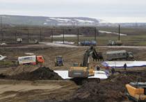За минувшие сутки аварийные бригады вывезли еще 297 тонн водонефтяной смеси с места разлива топлива под Норильском