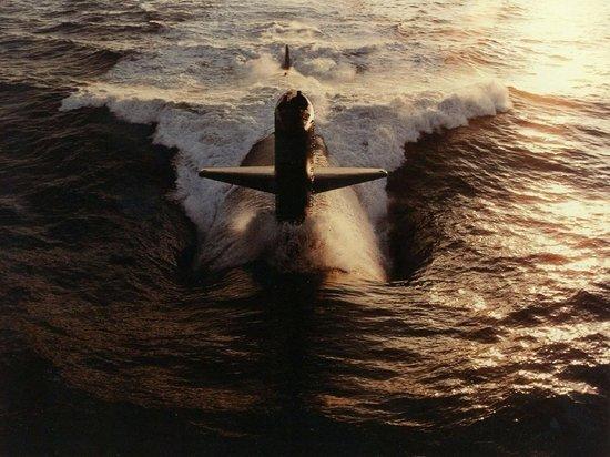 У берегов Японии обнаружили неизвестную подводную лодку