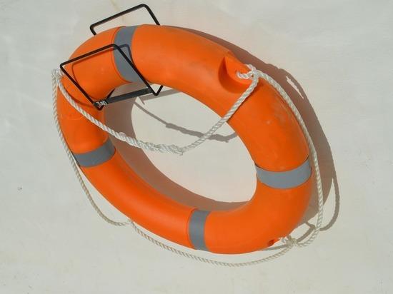 В Ярцево из спасательного вагончика городского парка исчезли лодка и спасательный круг