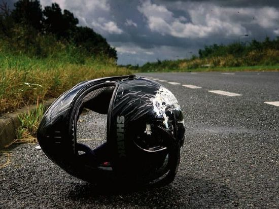 Мотоцикл сбил животное на дороге под Тверью