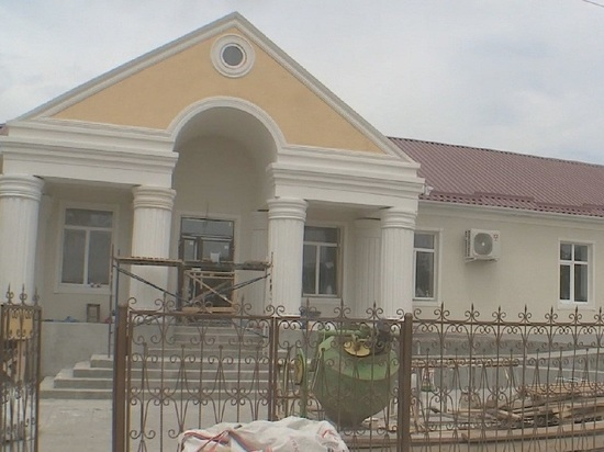 В Калмыкии возобновлен ремонт здания «Тюльпана»
