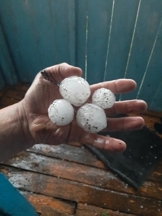 МЧС по Саратовской области прогнозирует кратковременные дожди, град и похолодание до +9 градусов