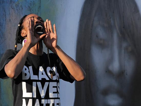 «Великой Америки» больше нет: поучения, «как жить», миру уже не нужны