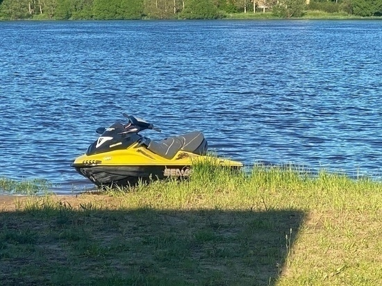 Тело мужчины, утонувшего при катании на гидроцикле в Тверской области, нашли