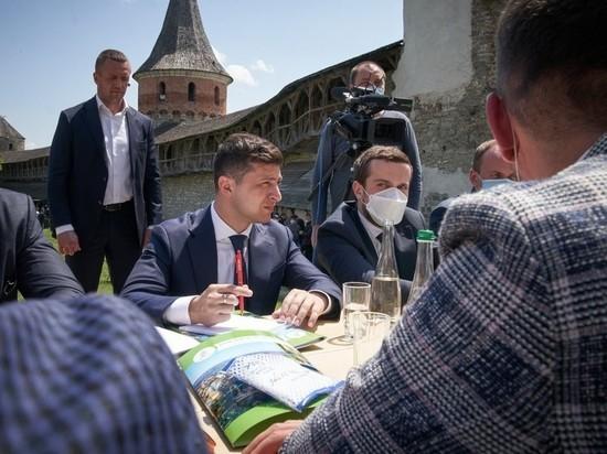 Суд испугался наказывать Зеленского: штраф за распитие кофе заплатят сотрудники