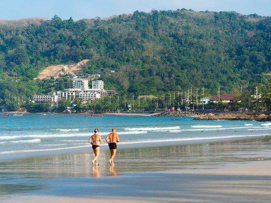 Таиланд решил не пускать в страну небогатых туристов