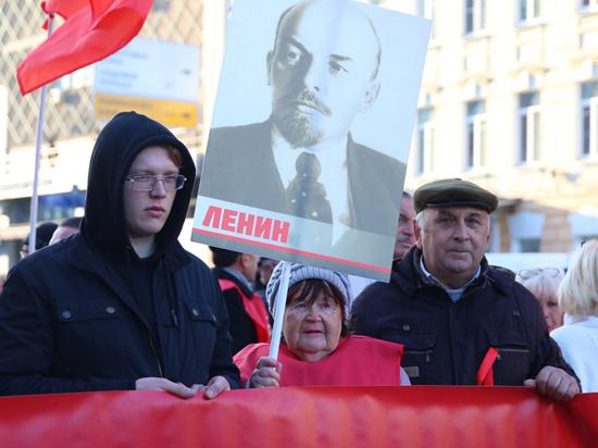 Коммунисты пригрозили еженедельной подачей заявок на митинги: в чем причина