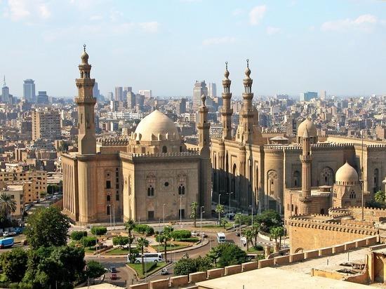 Президент Египта призвал военных готовиться к вторжению в Ливию