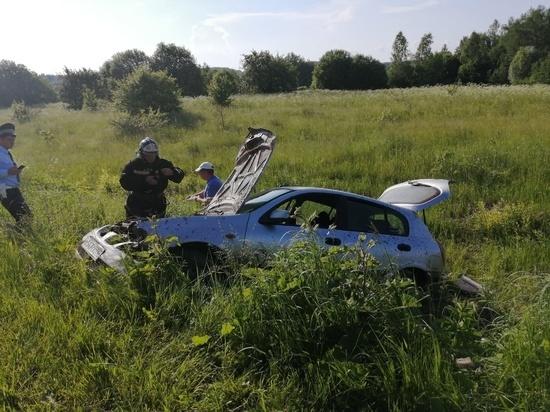 Иномарка улетела в кювет под Калугой