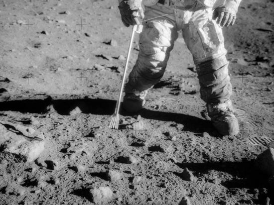 Запугать Советский Союз: американцы хотели взорвать ядерную бомбу на Луне