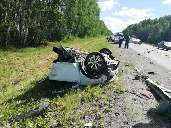 При столкновении четырех машин на трассе Екатеринбург – Тюмень погиб человек
