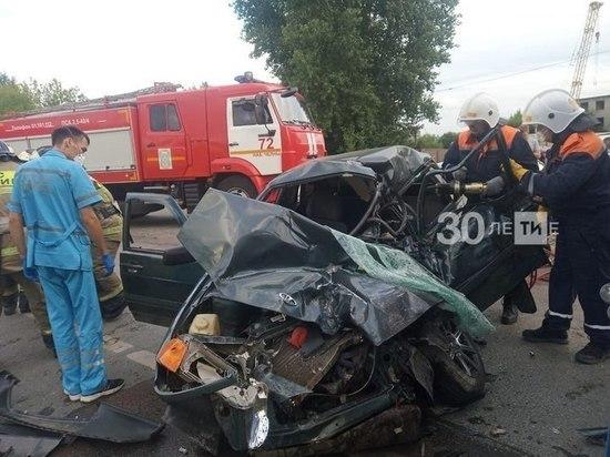 В Челнах погибли водитель и пассажир легковушки в ДТП с «КАМАЗом»