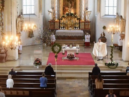 Германия: Больше верующих допускается в церкви, мечети и синагоги