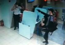 В сети появилась видеозапись ограбления банка в Воронеже