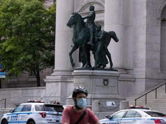 В США демонтируют памятник Рузвельту: как президент относился к чернокожим