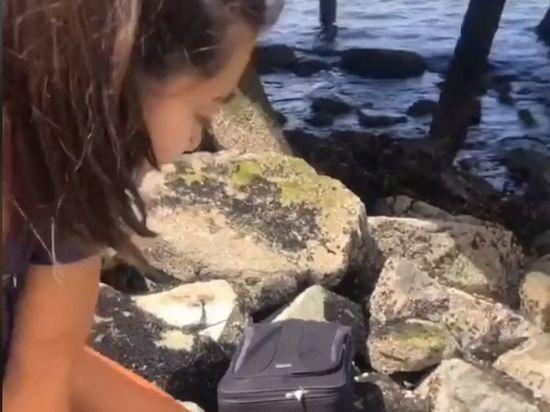 Генератор случайных чисел вывел подростков на жуткий чемодан