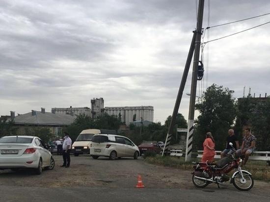 В Ростовской области 73-летний скутерист попал в ДТП