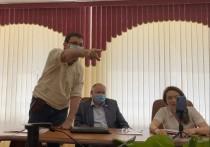 Саратовские депутаты приступили  к материализации чувственных идей: мат перешёл в обливание водой