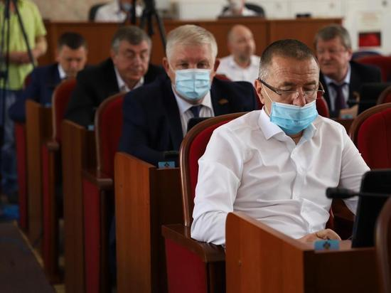 Депутаты из муниципалитетов Кубани смогут сохранить основное место работы