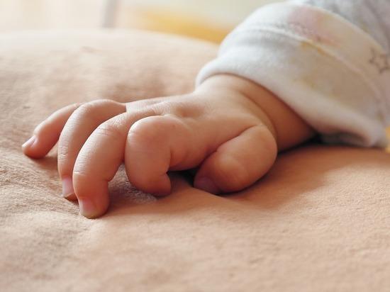 За три года жильцы дома не видели там беременных женщин и не слышали детских криков