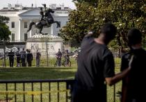 Американские протестующие добрались до памятника президента с двадцатидолларовой купюры