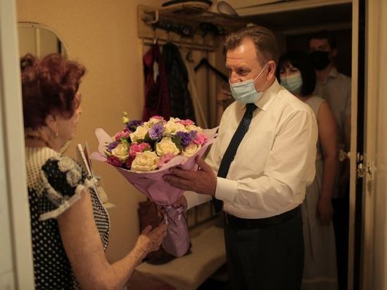 Глава Ставрополя посетил ветерана с поздравлениями и подарками