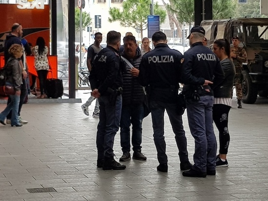 Устроившаяся в Италии официанткой россиянка пырнула ножом владельца бара