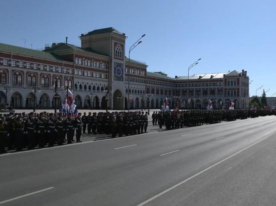 В Йошкар-Оле началось торжественное шествие Победы