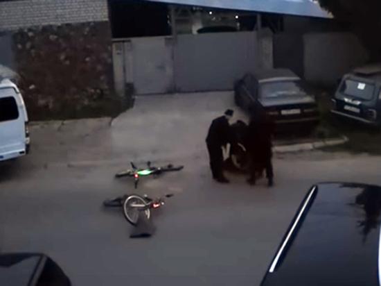 Силовики избили россиянина на глазах жены из-за просьбы о помощи
