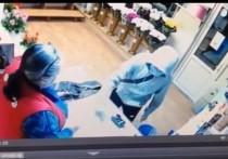 Запись ограбления хладнокровной новосибирской цветочницы стала хитом