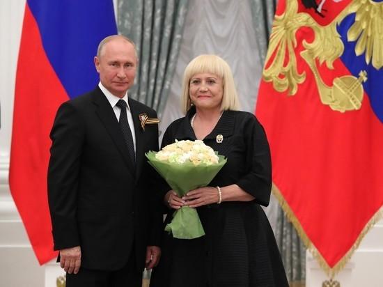 На вручении госпремий Путину напомнили о Чеченской войне