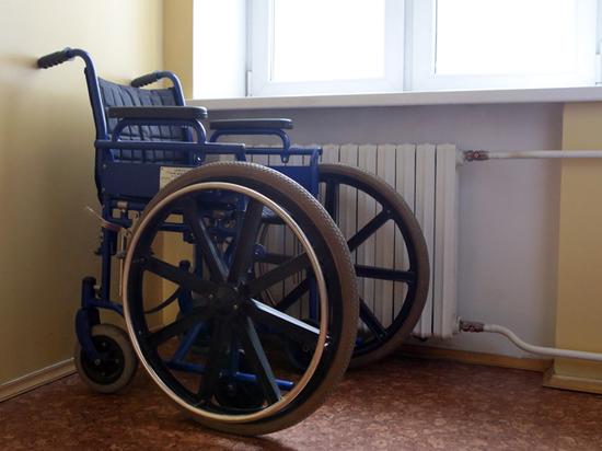 Женщину не пустили через границу России на инвалидной коляске