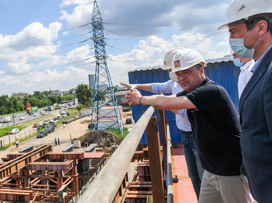 Ход строительства транспортной развязки в Химках проверил губернатор Андрей Воробьев
