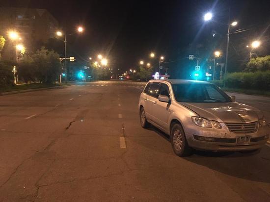 В Хакасии водитель сбил двух пешеходов на перекрёстке